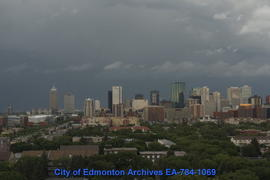 An Evening of Summer Clouds & Storms - Image 16 of 24