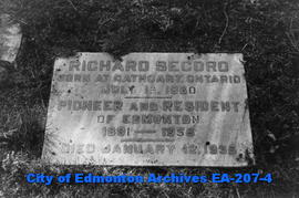 gravestone - Richard Secord