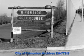 Riverdale Golf Course Sign