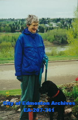 Alice Hansen with dog