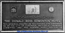 Plaque on Memorial to the Old Donald Ross Hotel