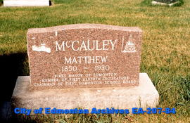 gravestone of Matt McCauley