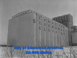 Government grain elevators in Calder.