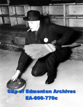 31st annual bonspiel of the Alberta Curling Association at the Edmonton Curling Club:  Mayor Harr...