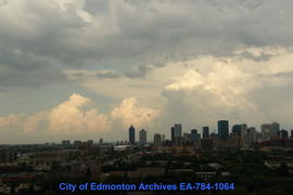 An Evening of Summer Clouds & Storms - Image 11 of 24
