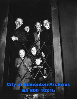 S. W. DeVries family, Dutch immigrants, leaving Edmonton for Clandonald.