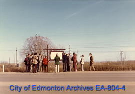 The unveiling of the Fort Saskatchewan Trail interpretive sign