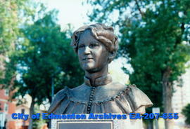 Bust of Nellie McClung - detail close up