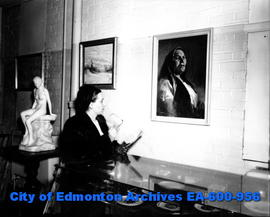 Edmonton Art Club exhibition: Mrs. Grace Pinchbeck takes a closer look.