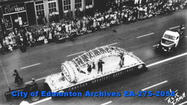 Parade - Esso Float