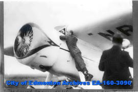 The second arrival of Wiley Post.  Taken at 6:17 A.M. on July 22, 1933.