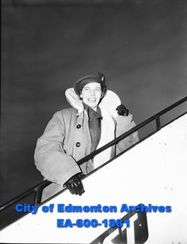 Army nurse leaving for Whitehorse. Lt. (NS) Gloria Caldwell.