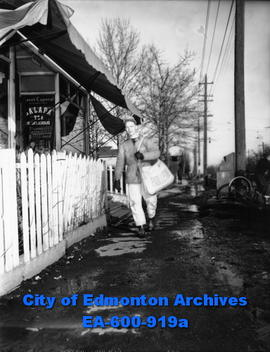 Edmonton Bulletin carrier boy, Terry Stubbert, volunteers to carry mail to Grierson Estate reside...