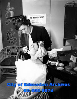Community Workshop Theatre: Elizabeth Haynes applies Rae Hammond's make-up.