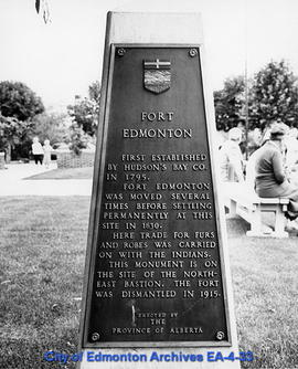 Memorial  to Fort Edmonton